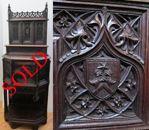 5112b-gothic-cabinet-with-rooster-coat-of-arms