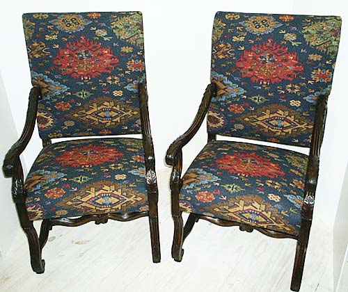 #3222-Pair of Louis XIV Chairs