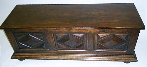 4152-Louis XIII chest